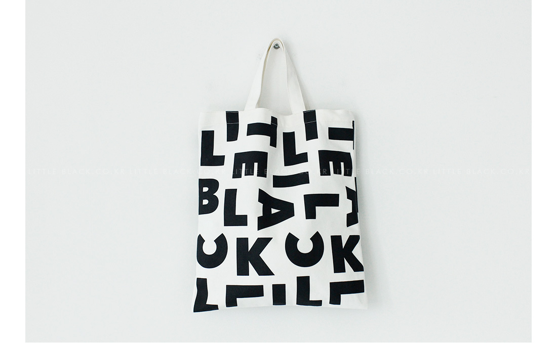 LITTLE BLACK Lettering Print Tote Bag|