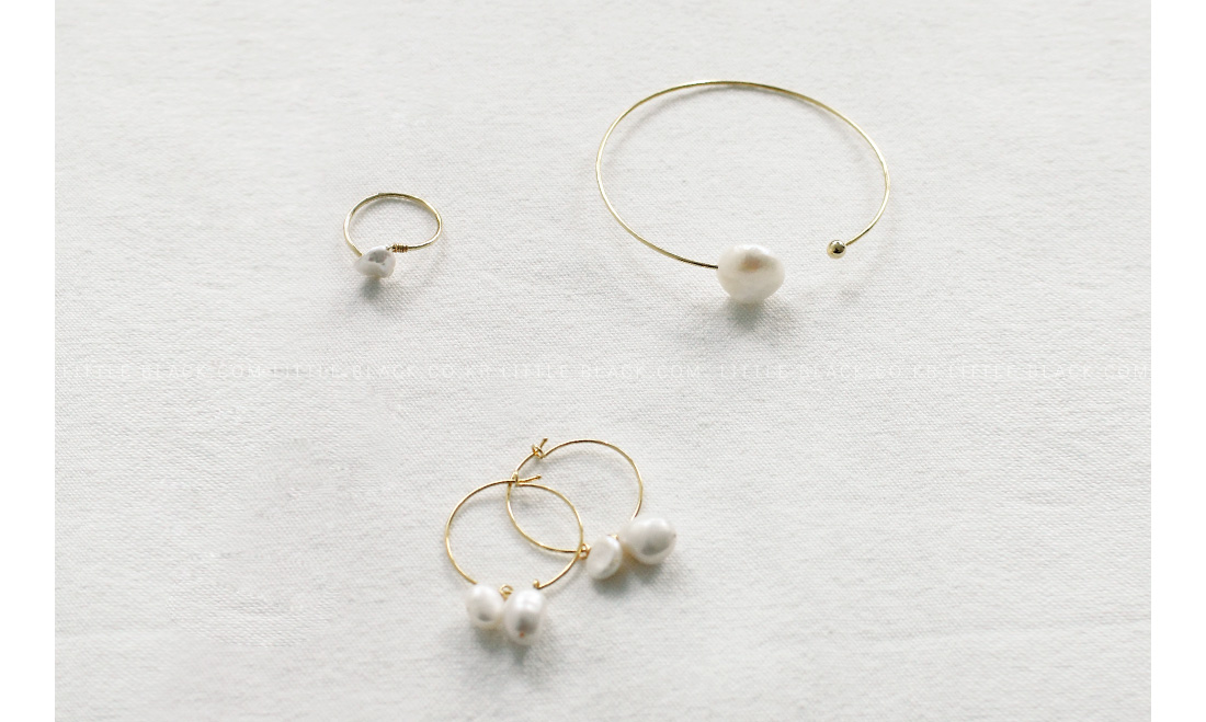 Assorted Pearl Accessories|
